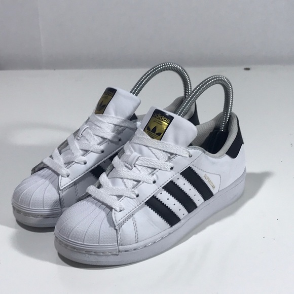 3ab443d5e5ba adidas Other - Adidas originals superstars Yth 2.5Y